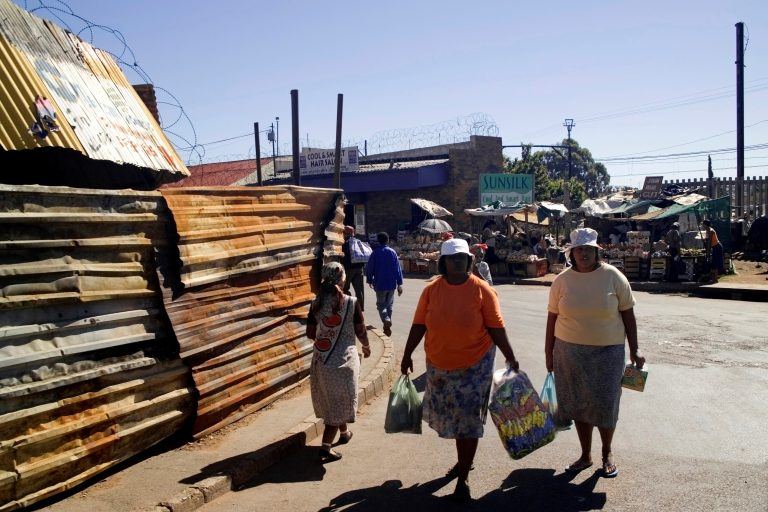 Covid-19 highlights South Africa's inequality